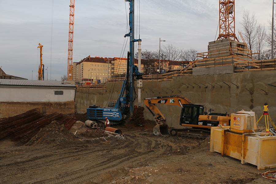 The high speed Soilmec Spin-Off in action